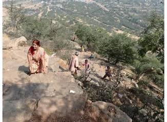 Climbing to Savitri Temple in Pushkar