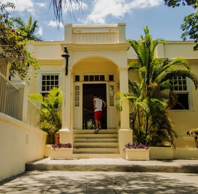 Entrance-to-Hemmingways-House-web