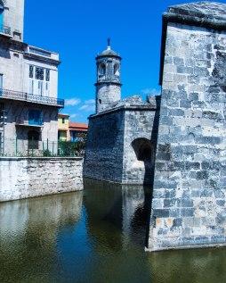 Moat and walls, Castillo de la Real Fuerza