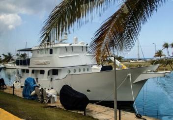 Yacht in Marina Hemingway