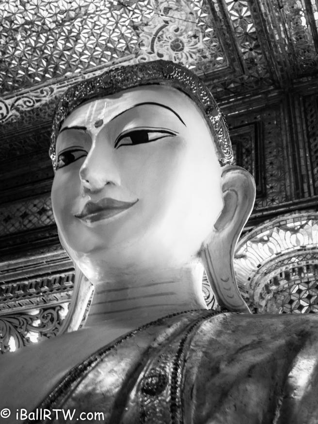 Buddha in Shwedagon Pagoda