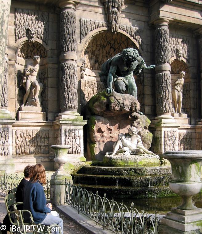 La Fontaine Médicis dans le Jardin du Luxembourg